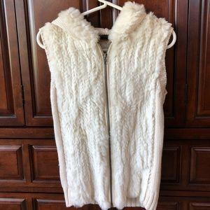 BCBG Maxazria 🍁❄️ hooded sweater vest.